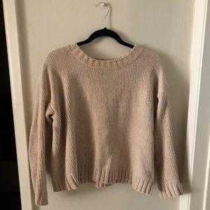 super soft beige/tan american eagle sweater!!